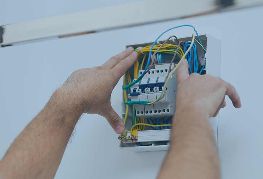 rEalizzazione e manutenzione impianti elettrici